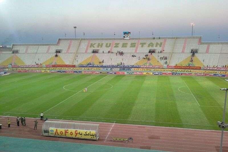 مسؤولان برگزاری لیگ برتر فوتبال از آغاز این مسابقات در آینده ای نامعلوم می گویند