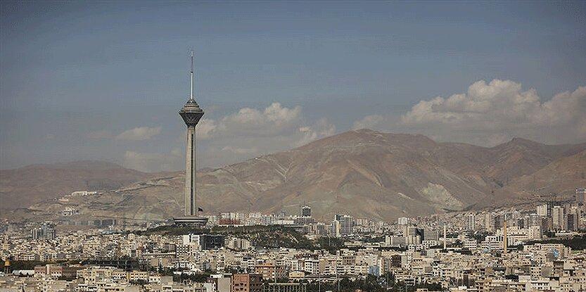 آسمان تهران غبارآلود می گردد
