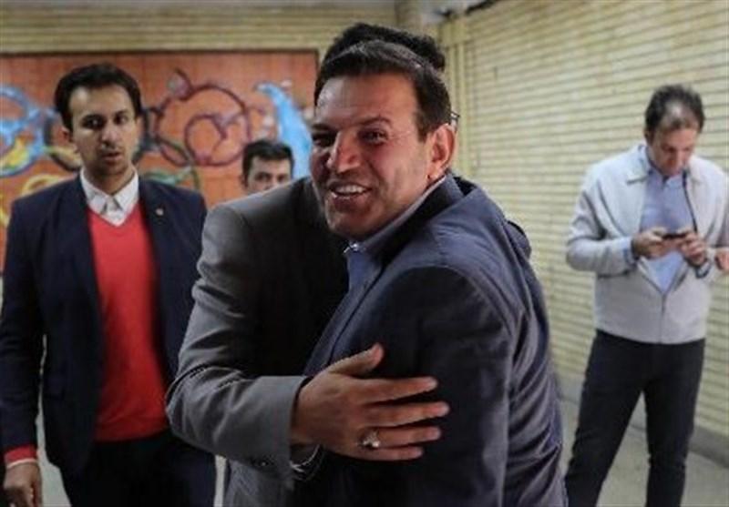 عزیزی خادم: در انتخابات فدراسیون فوتبال حمایت ویژه ای از کاندیدای خاصی ندارم، باید برنامه های نامزدها را مطالعه کنم